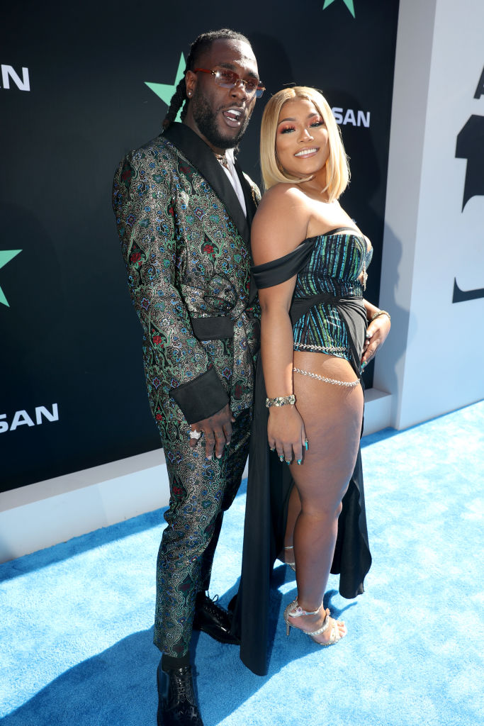 "So Sweet! Burna Boy's Girlfriend Stefflon Don & Mom supported him at the 2019 BET Awards for ""Best International Act"" WIN"
