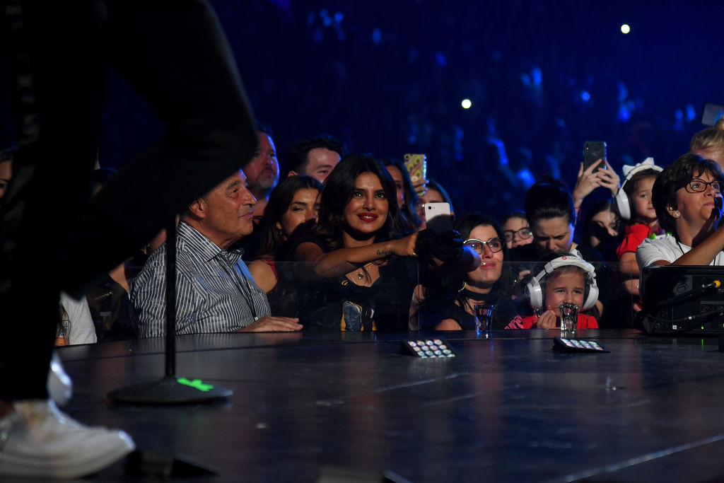 Priyanka posts pics with 'J sisters' on Jonas Brothers' world tour