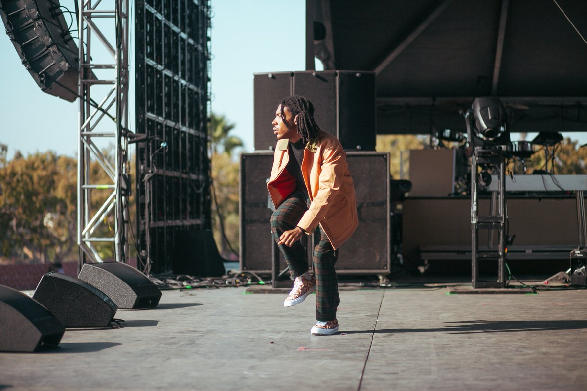Santi's performance at Camp Flog Gnaw was Thrilling | WATCH