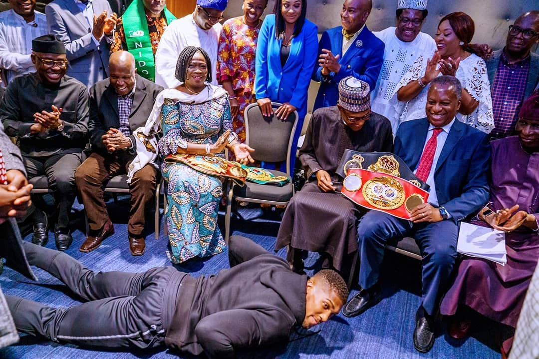 See the Priceless Moment Anthony Joshua Presented his Championship Belts to President Buhari