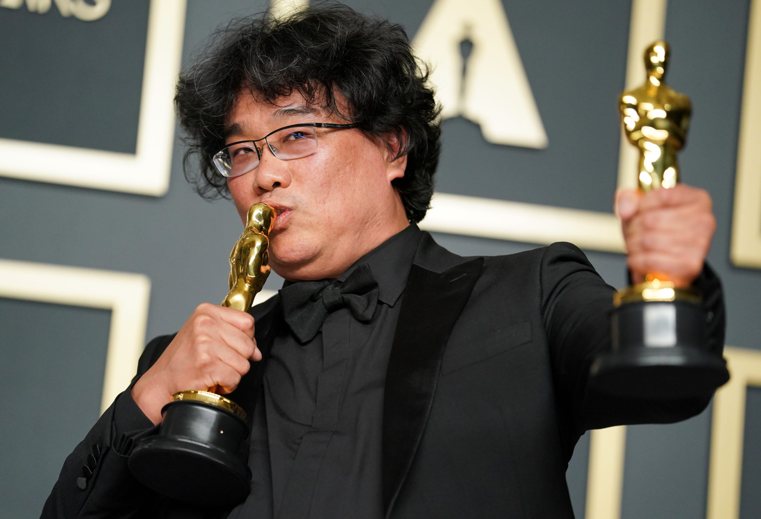 """""""Parasite"""" Sweeps the 2020 Oscars 