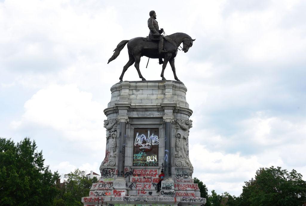Bristol Protesters Toss British Slave Trader Statue Into Harbor