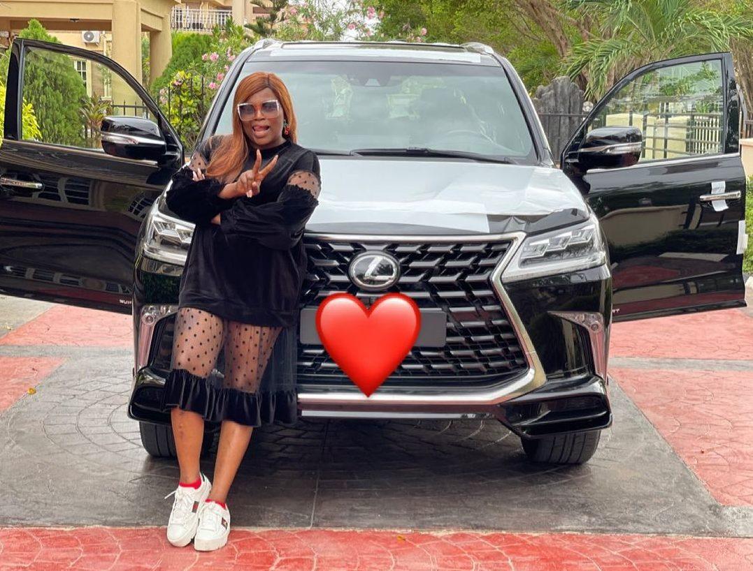 Funke Akindele-Bello Has A New Ride 🎉 | BellaNaija